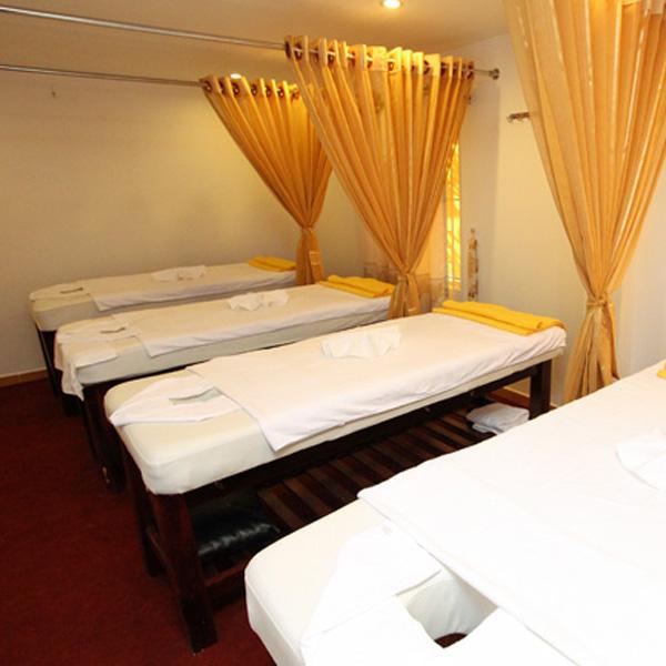 Giường gỗ tràm massage body