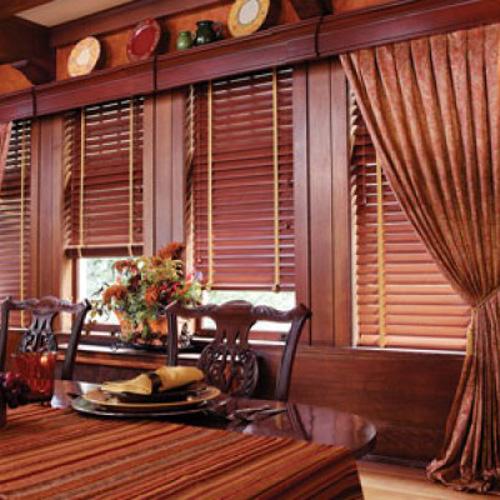 Biệt thự sang trọng hơn rèm gỗ