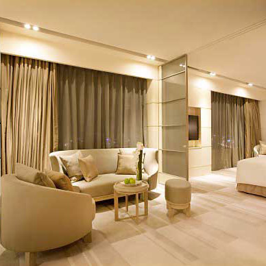 Rèm mang đến sự sang trọng cho phòng khách sạn