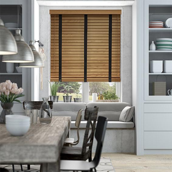 Rèm gỗ sẽ tạo điểm nhấn cho căn hộ của bạn