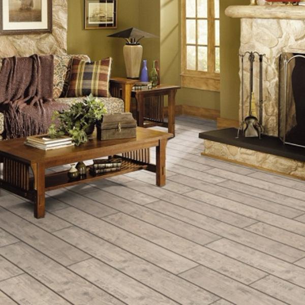 Sàn gỗ màu sáng tự nhiên